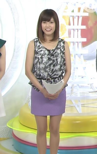 神田愛花 ミニスカート