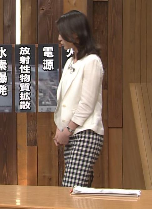 小川彩佳 尻キャプ・エロ画像2
