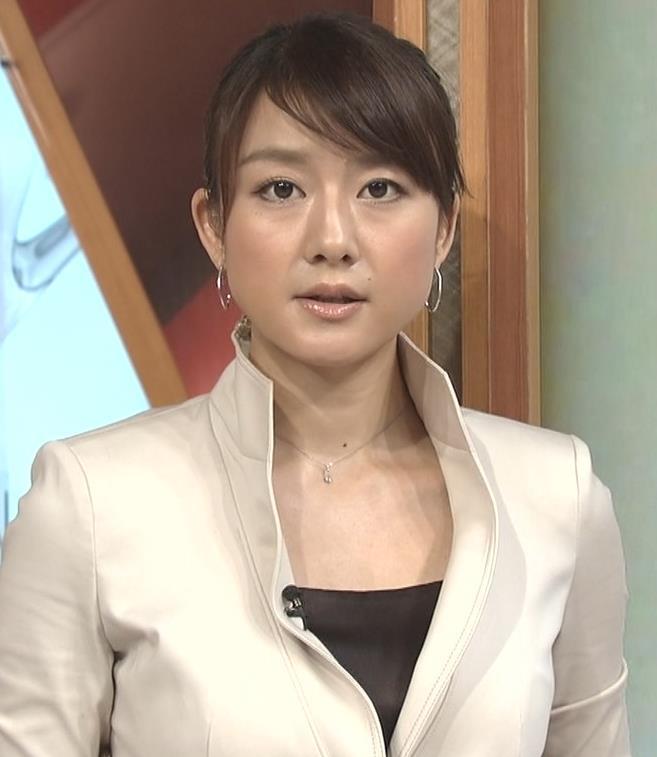大島由香里 タイトスカートキャプ・エロ画像2