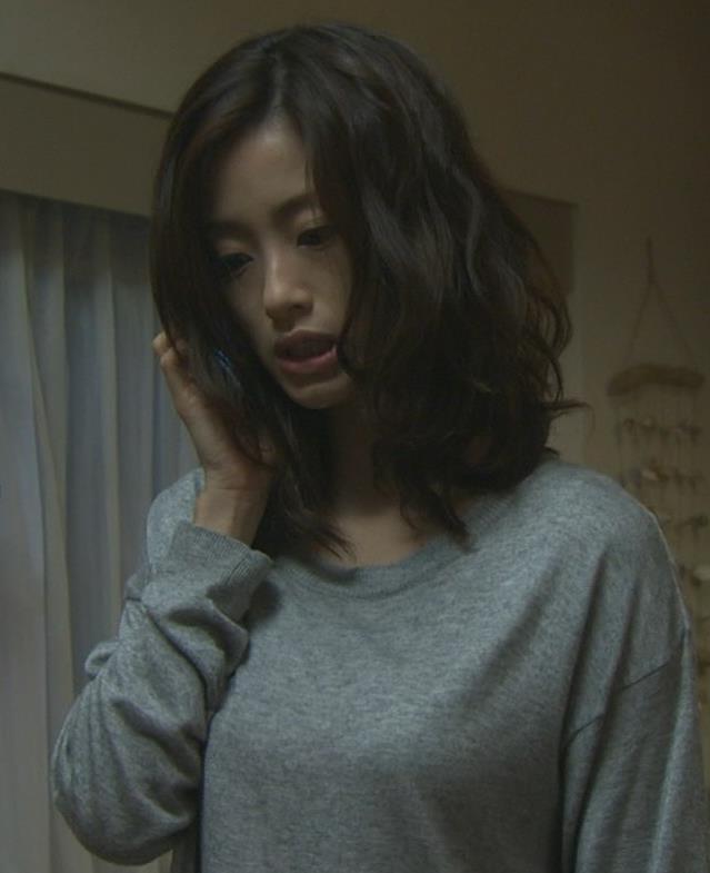 上戸彩 横乳キャプ・エロ画像5
