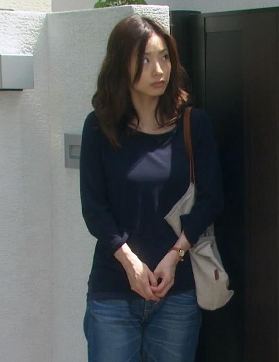 上戸彩 横乳キャプ・エロ画像7