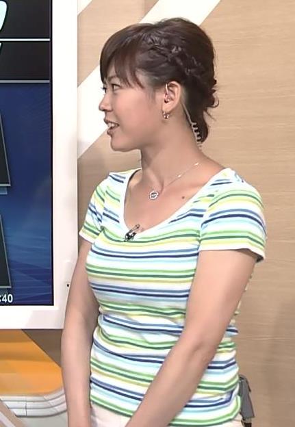 久下真以子 NHKの巨乳アナ×Tシャツ