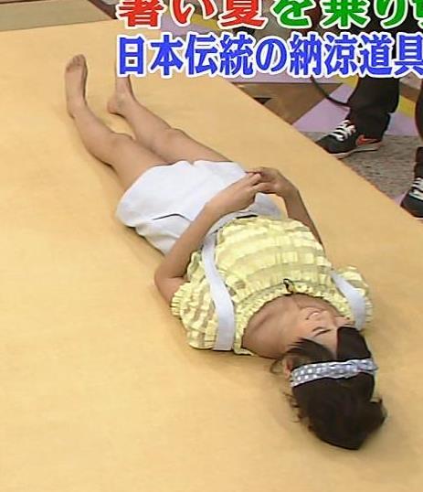 佐野ひなこ 太ももキャプ・エロ画像3