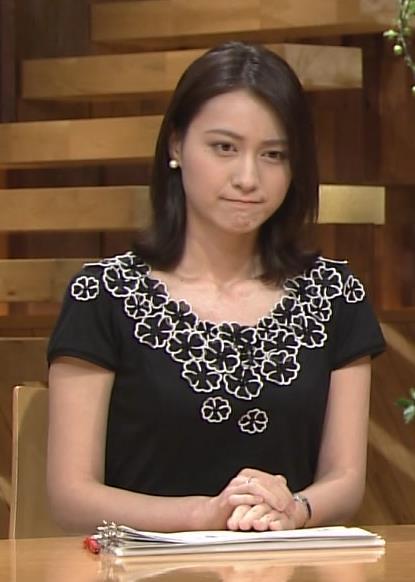 小川彩佳 横乳キャプ・エロ画像2