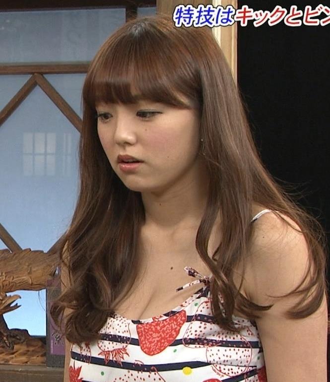 篠崎愛 おっぱいキャプ・エロ画像5