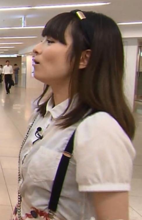 宮島咲良 タイトスカートキャプ・エロ画像3