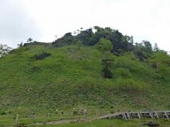 弥陀が池の近くの座禅山