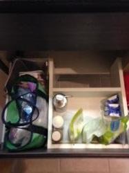 洗面室引き出し整理ビフォー