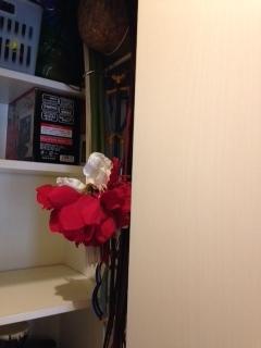廊下収納 造花