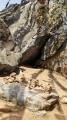 霊鷲山 洞穴