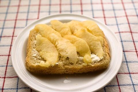クリームチーズももトースト