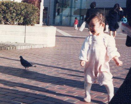 鳩と遊ぶ お正月