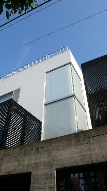 ■物件番号4043 駅近8分!海側!オシャレなデザイナーズハウス!広い屋上!らせん階段!
