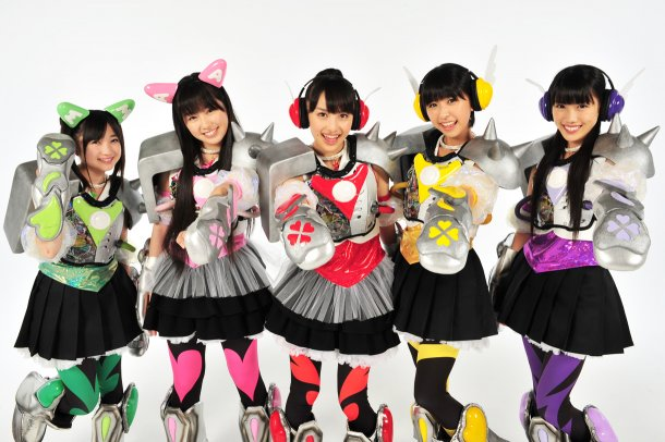 news_large_momocloZ_interview05.jpg