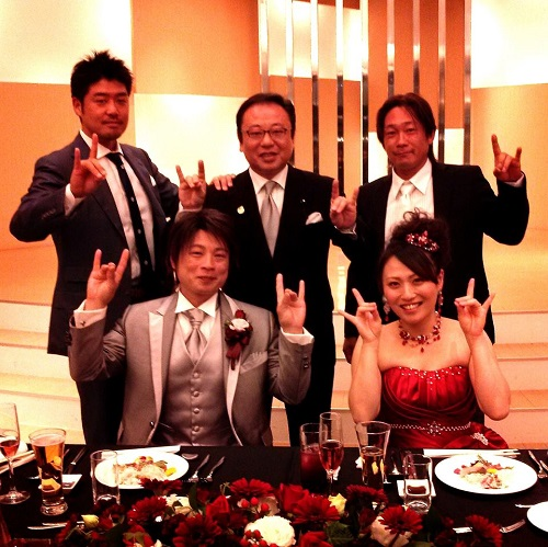 幼馴染みの結婚披露パーティーへ!①
