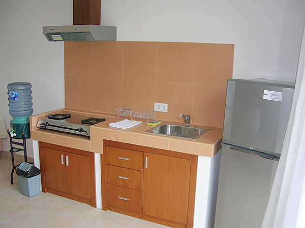 room5_kitchen1.jpg