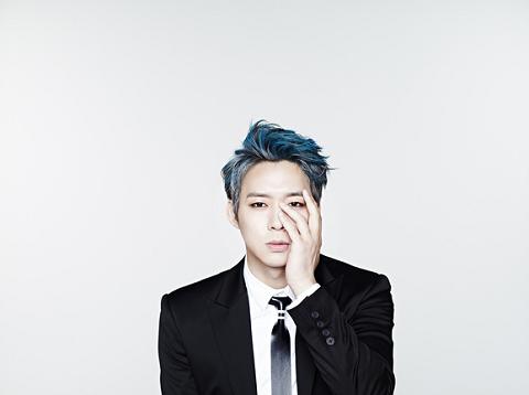 青い髪のYC
