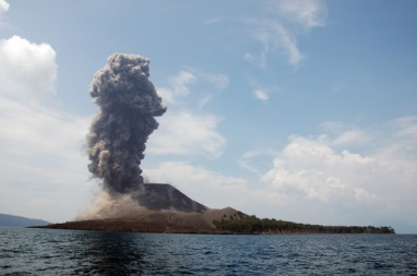 2014-3-6クラカタウ火山噴火