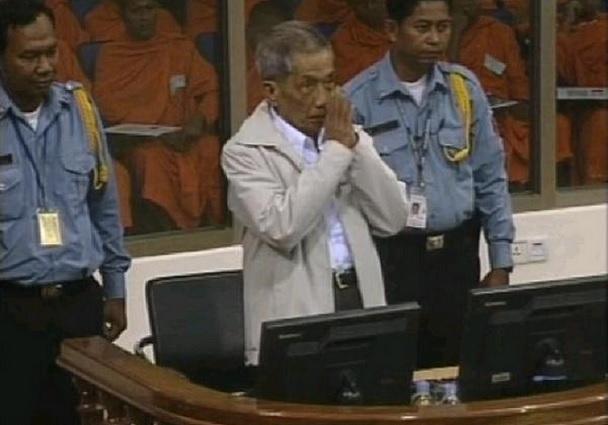 2014-3-24ワイをするポルポト派裁判被告