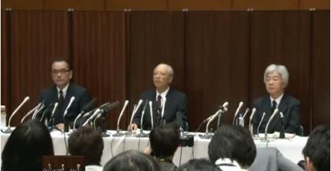 2014-9-13朝日新聞訂正会見の集合写真