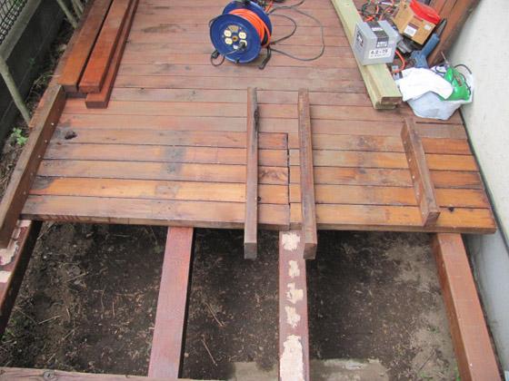 ウッドデッキの床板