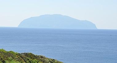 三宅島から御蔵島