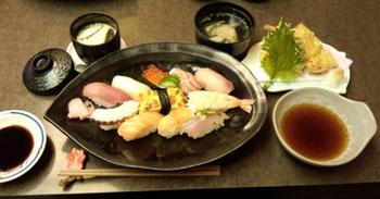 お昼 お寿司屋さん