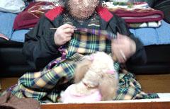 母 編み編み中