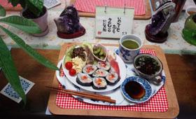 お昼ご飯 お寿司と煮物