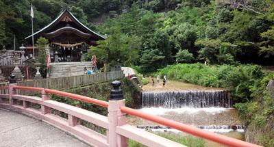 涼 妹背の滝2