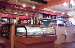 ワイン食堂で! 2