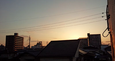 明け方 東の空
