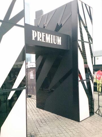 入口プレミア席