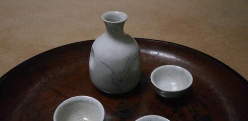 李朝徳利と欅のお盆1-2