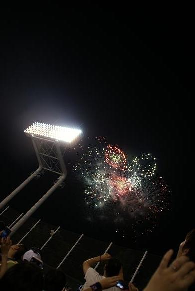 神宮球場の花火