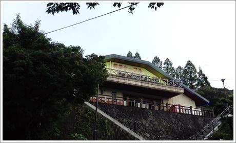 sarakurayama02_02.jpg