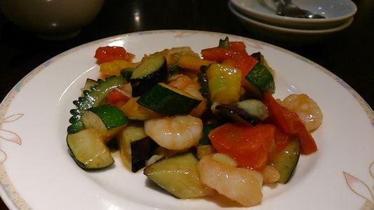 夏野菜とエビ