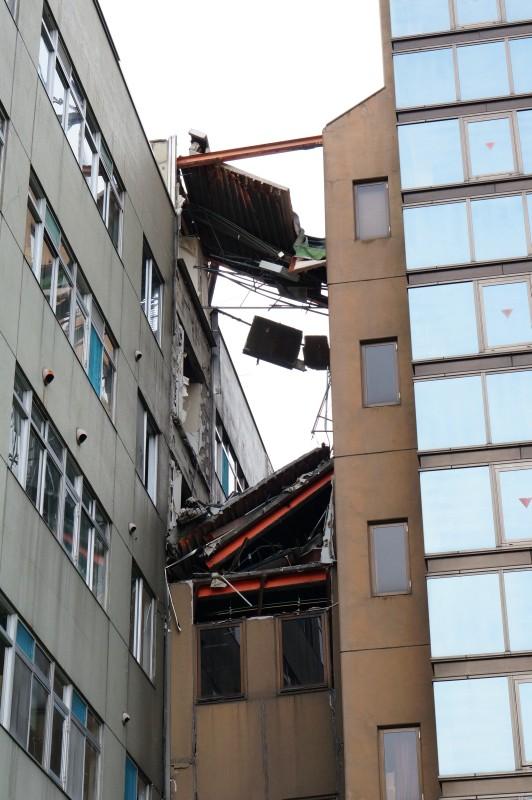 星総合病院跡:壊れた渡り廊下