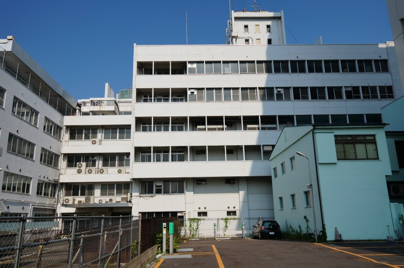 太田記念病院跡:閉鎖されたとはいえ寂れた印象が中心市街地の沈下を物語るようだ
