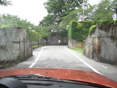 鶴ヶ城駐車場入り口