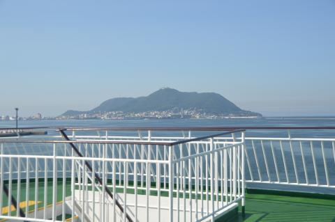 フェリーより函館山
