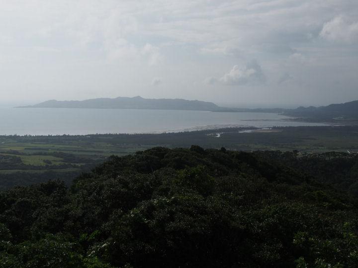 バンナ岳展望台から-OMD08928