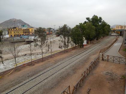 ペルー2014.1リマ・線路