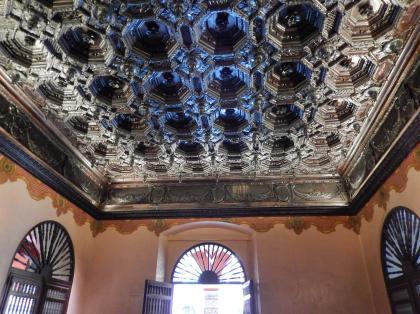 ペルー2014.1リマ・サントドミンゴ教会入口天井
