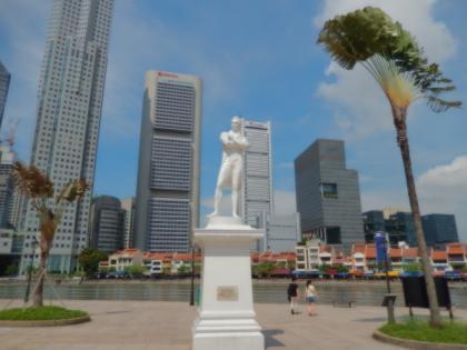 シンガポール2014.5シンガポールリバー・ラッフル像