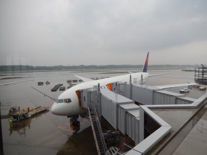 シンガポール2014.5デルタ航空機成田空港