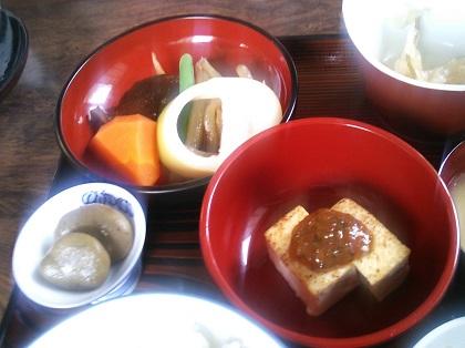 榧の木 山菜定食煮物001