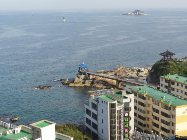 2012年9月7日 束草 灯台より海を臨む