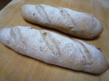くるみ入りライ麦パン