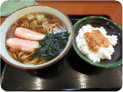 朝食セット(ソーセージ天そば+なめたけ丼)